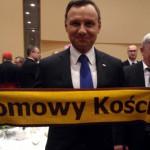 Prezydent_z_szalikiem1